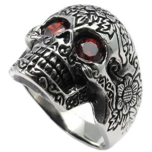 anillo con circonita roja