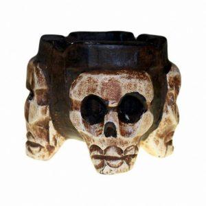 cenicero antiguo de calaveras