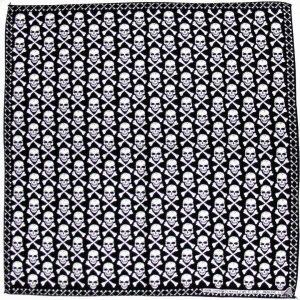 pañuelo bandana con estampado de calaveras