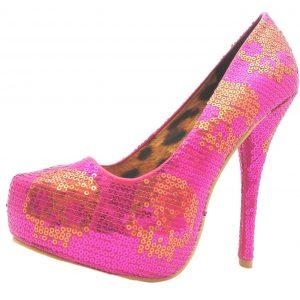 zapatos rosas de calaveras