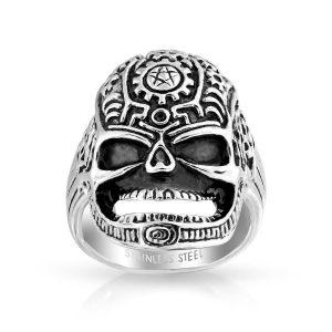 anillo de calavera motero