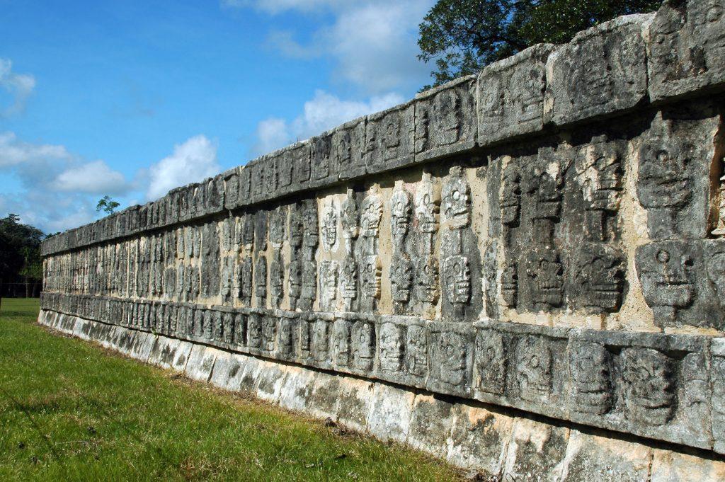 Calaveras Aztecas