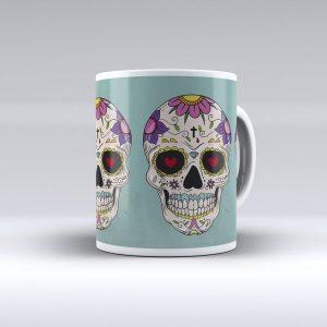 taza azul con calavera de flores
